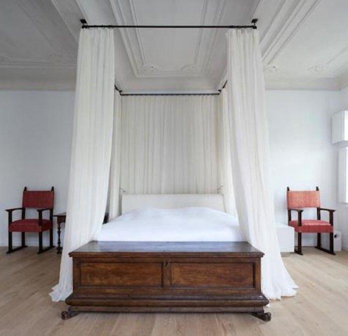 DIY hemelbed met constructie aan plafond. | Slaapkamer | Pinterest