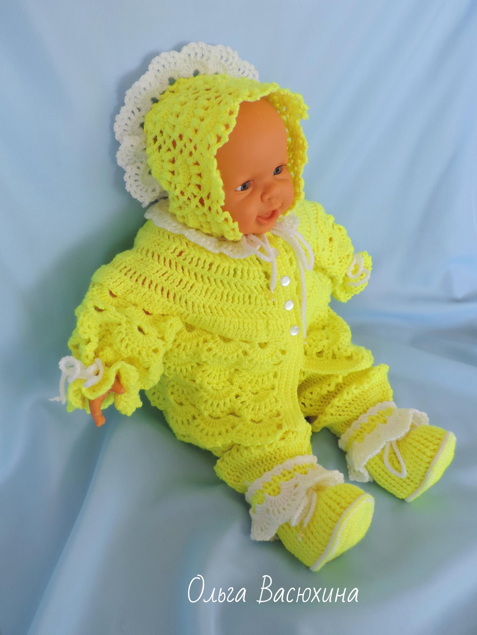 детский костюмчик из полушерстяной пряжи на возраст 3 6 месяцев