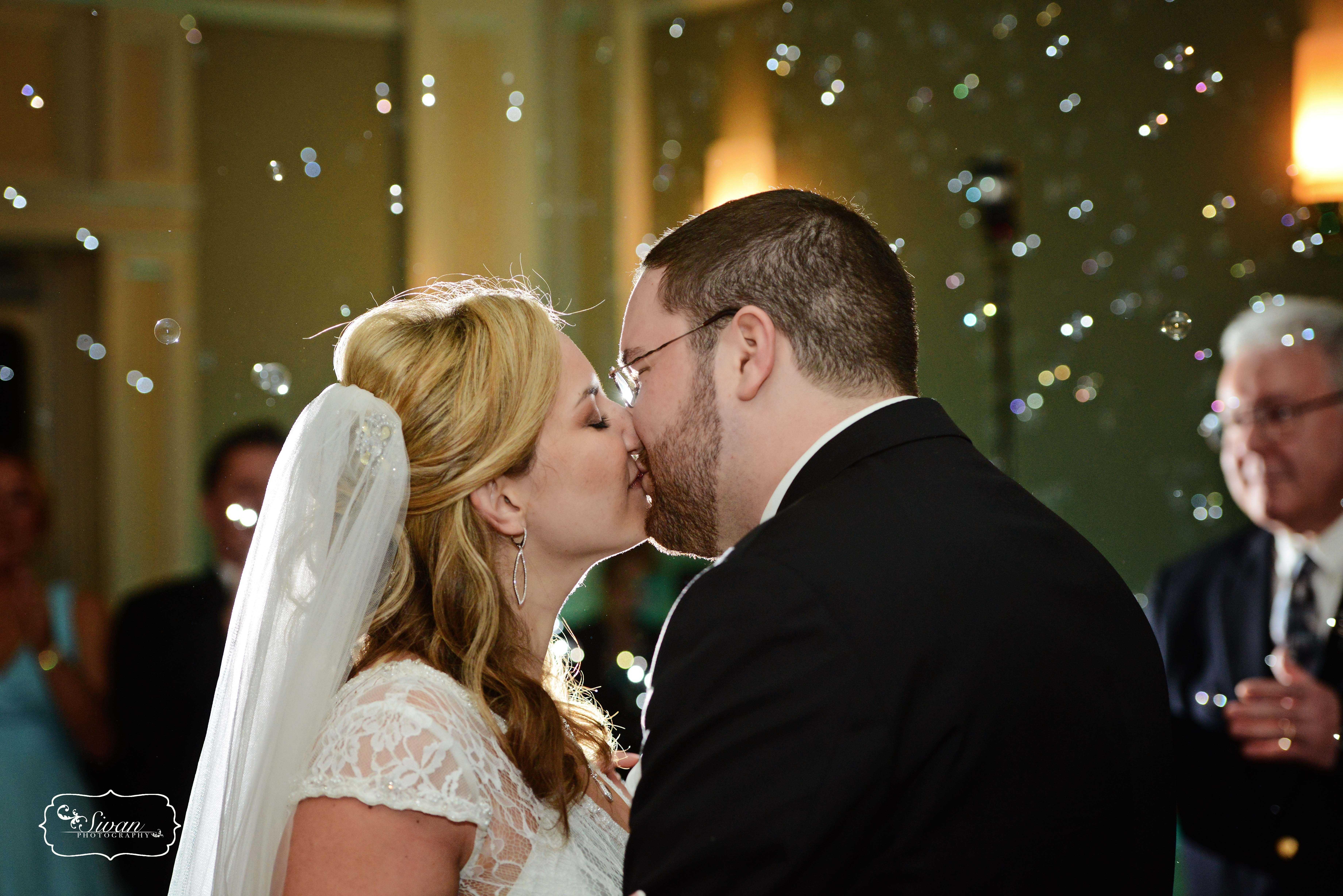 Bubbles! Leu Gardens Wedding - Colleen & Geoff Teal uplighting ...