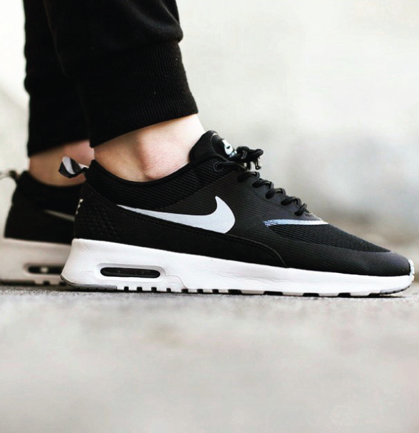 nike air max thea zwart wit | Sneakers