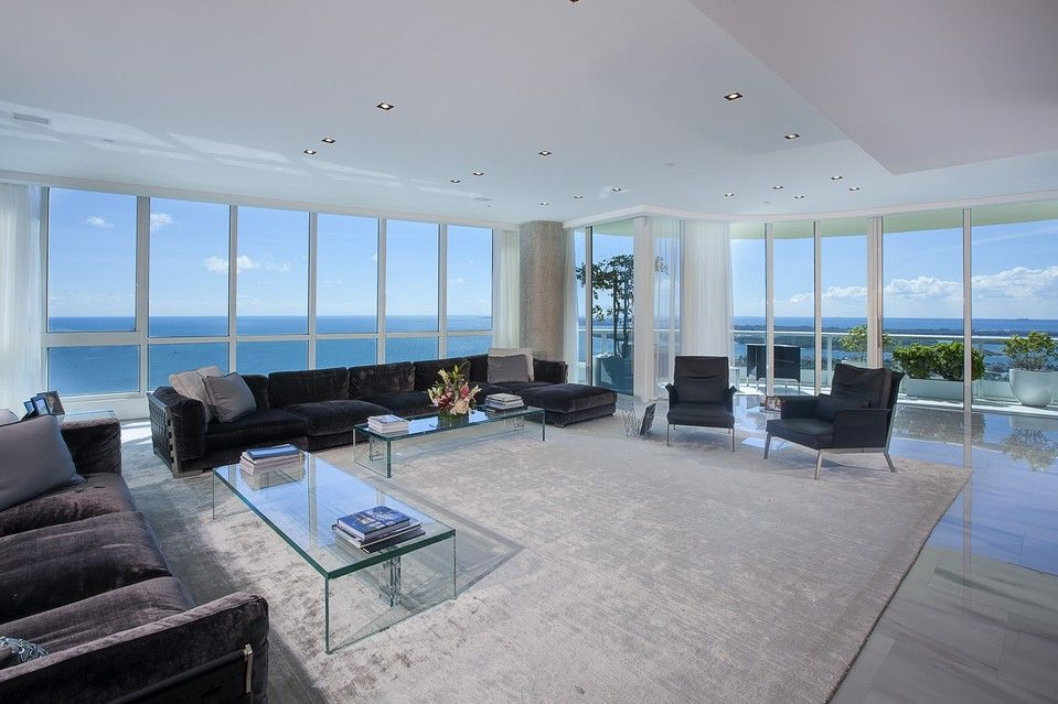 Get This Look Matt Damon S Beachside Elegance Luxury Penthouse House Styles Luxury Homes