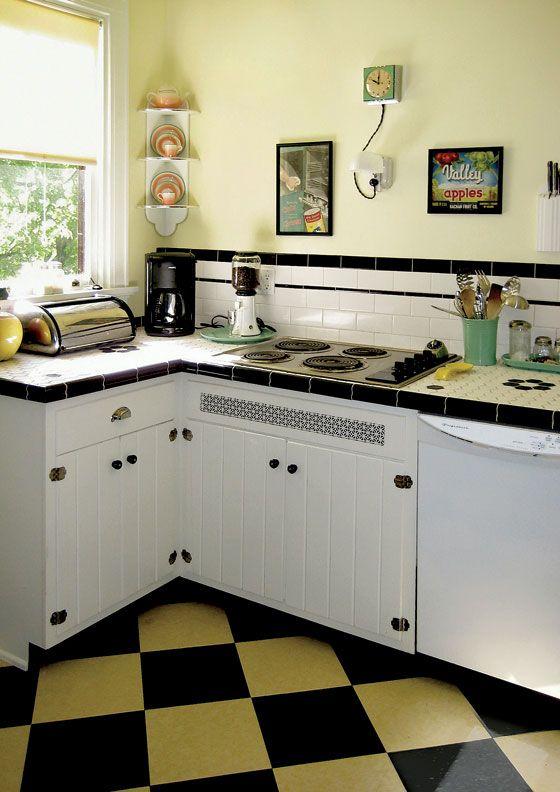 Retro Kitchen on a Budget #vintagekitchen