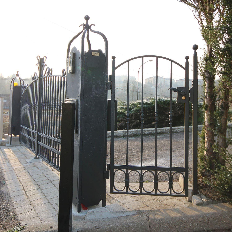 Puerta para jard n de hierro forjado la maestria rejas en 2019 hierro hierro forjado y puertas - Puertas de hierro para jardin ...