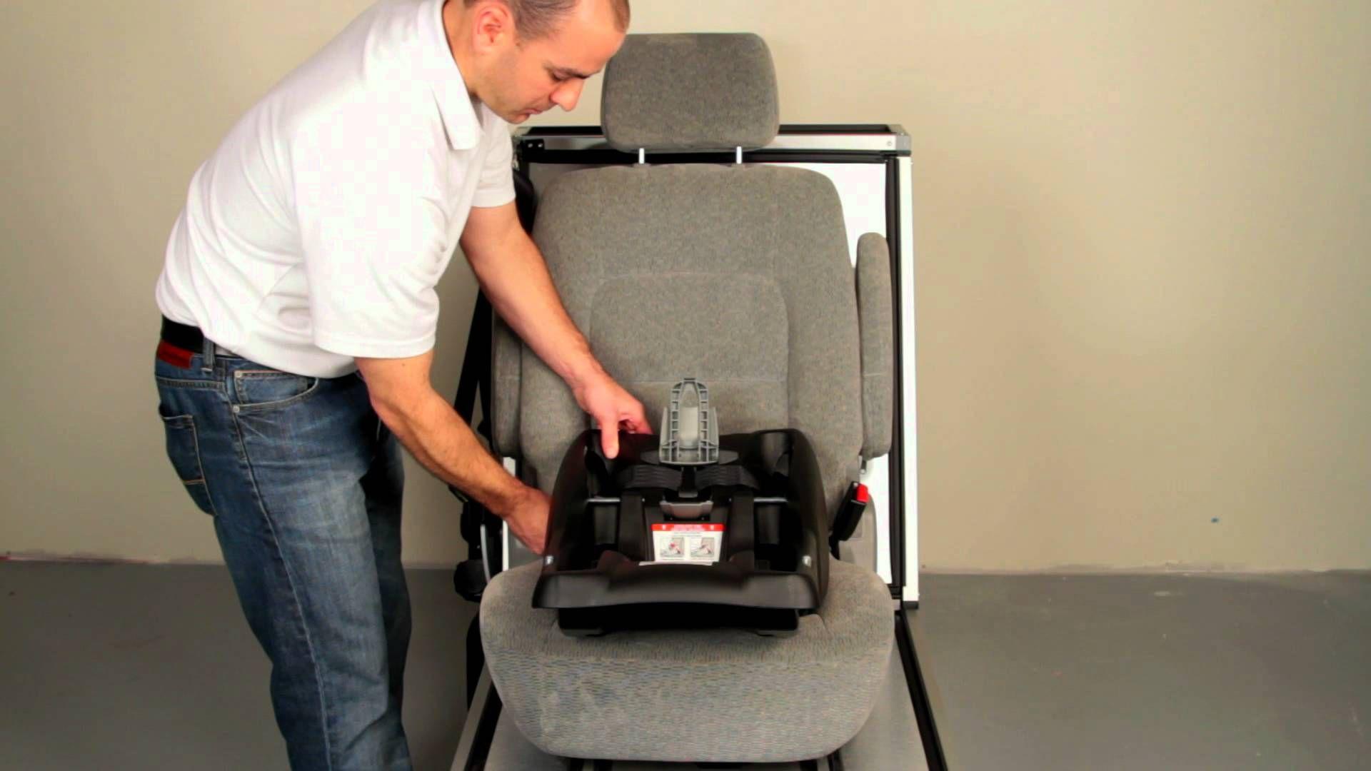 Installing the Britax BSafe Car Seat video. Britax b
