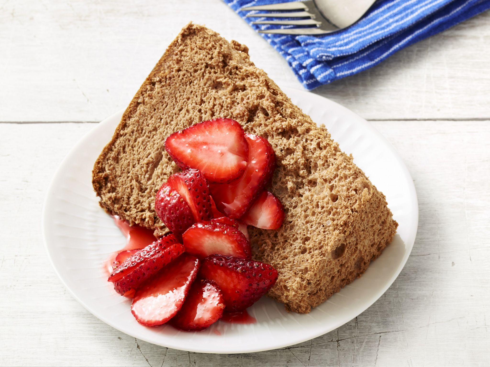 Chocolate Angel Food Cake with Strawberries | Recipe | Food cakes ...