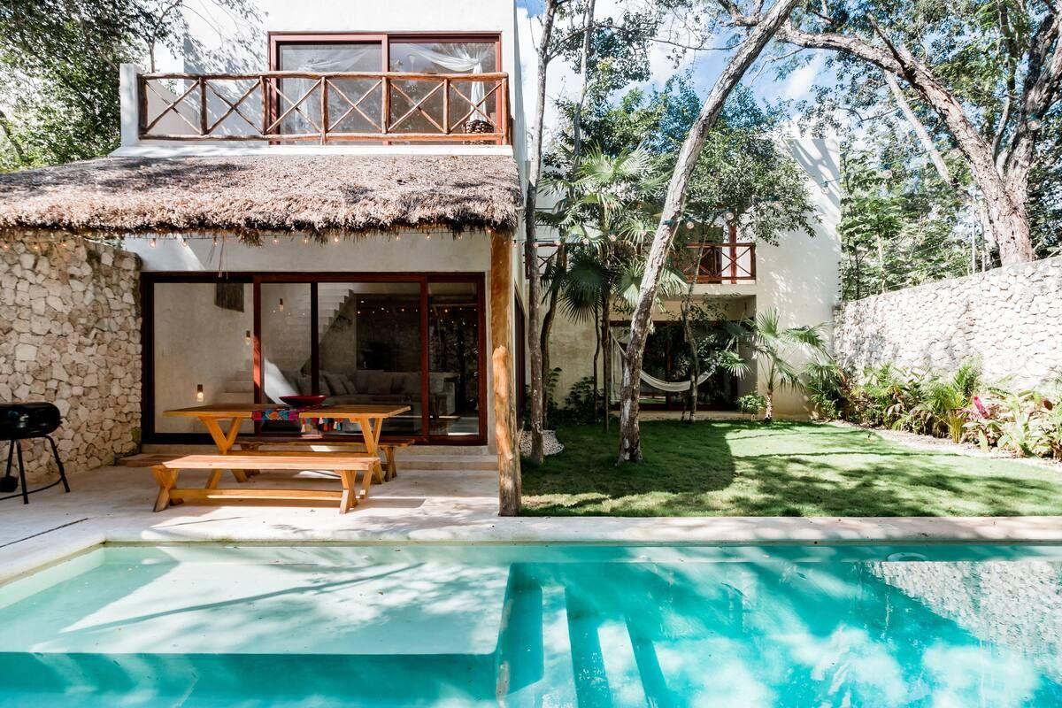 The Best Airbnbs In Tulum Bon Traveler Tulum Hotels Small Beach Houses Tulum