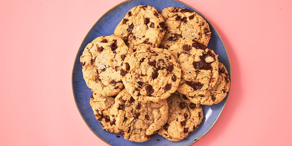 Ricetta Originale Cookies Inglesi.Your Search For The Perfect Chewy Chocolate Chip Cookie Is Officially Over Recipe Chewy Chocolate Chip Cookies Cookies Recipes Chocolate Chip Chewy Chocolate Chip