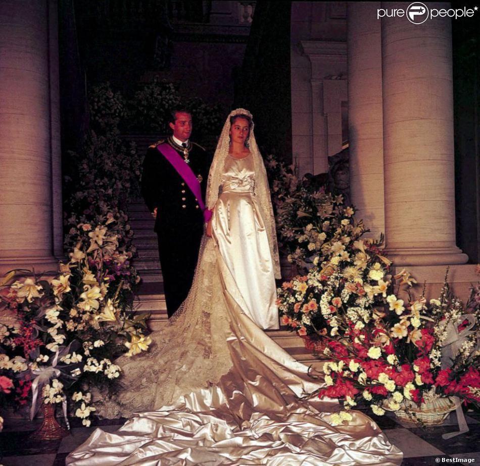 Mariage Du Prince Albert Et De La Princesse Paola Royal Weddings Wedding Royal Wedding [ 924 x 950 Pixel ]