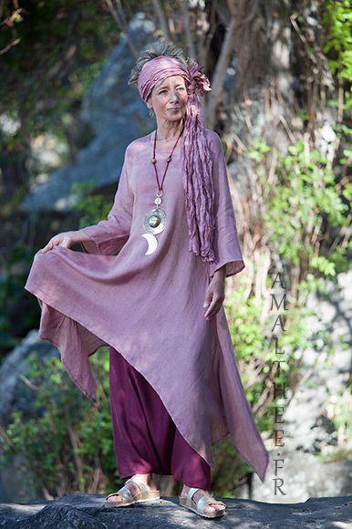 780de4219f3 Tunique déstructurée en voile de lin bois de rose portée sur notre sarouel  jupe en lin cassis.