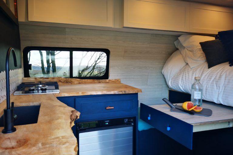 2018 Ford Transit Custom L2h2 One Off Luxury Camper 12 300 Miles 37 5 Mpg Vatpaid Quirky Campers Innenausbau Ausbau