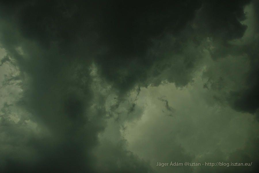 Gust front. Zivatarrendszer (MKR) a Dél-Alföldön #front #gustfront #wind #clouds #storm #thunderstorm #mcs #nature #photography