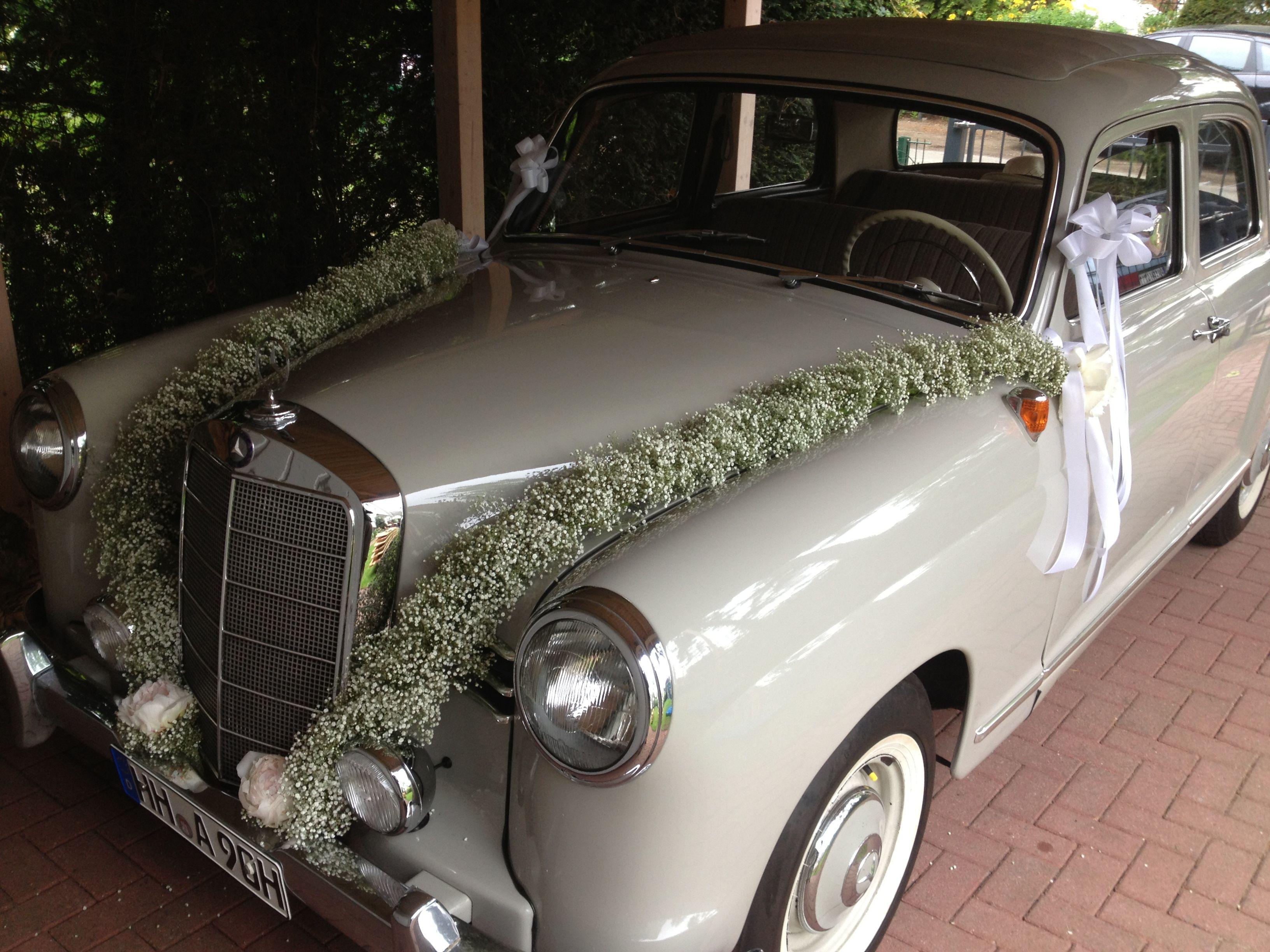 Wedding car flower decoration images  Autoschmuck für die stilvolle Hochzeit  Autogesteck  Pinterest