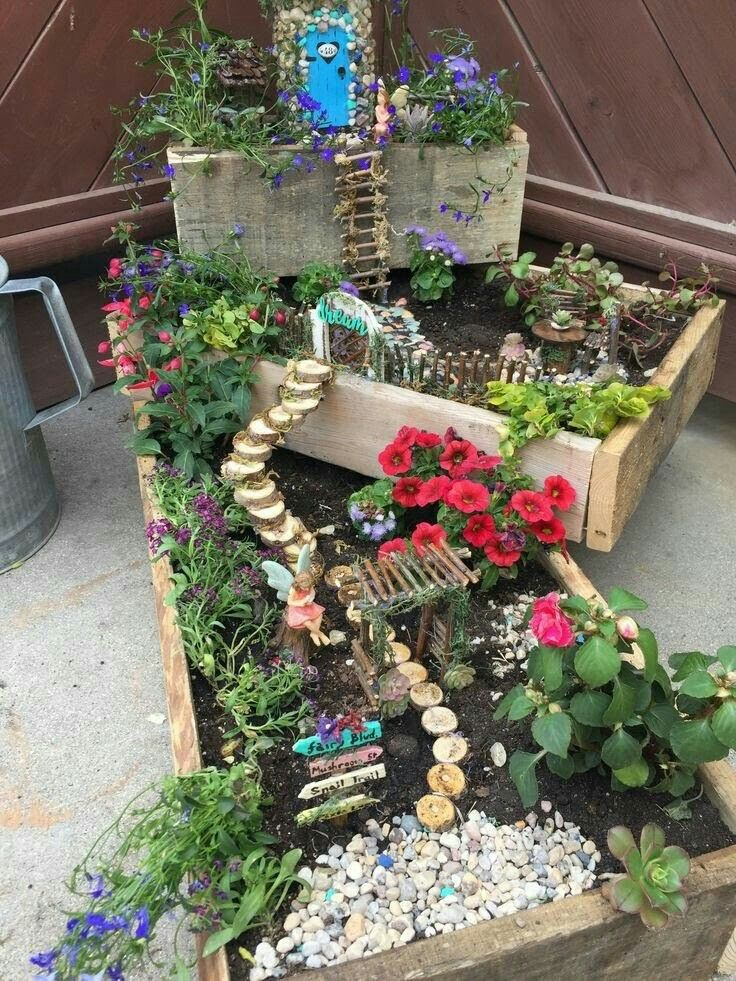Gnome Garden: THREE TIER MINIATURE FAIRY GARDEN 🌷🌺🌹