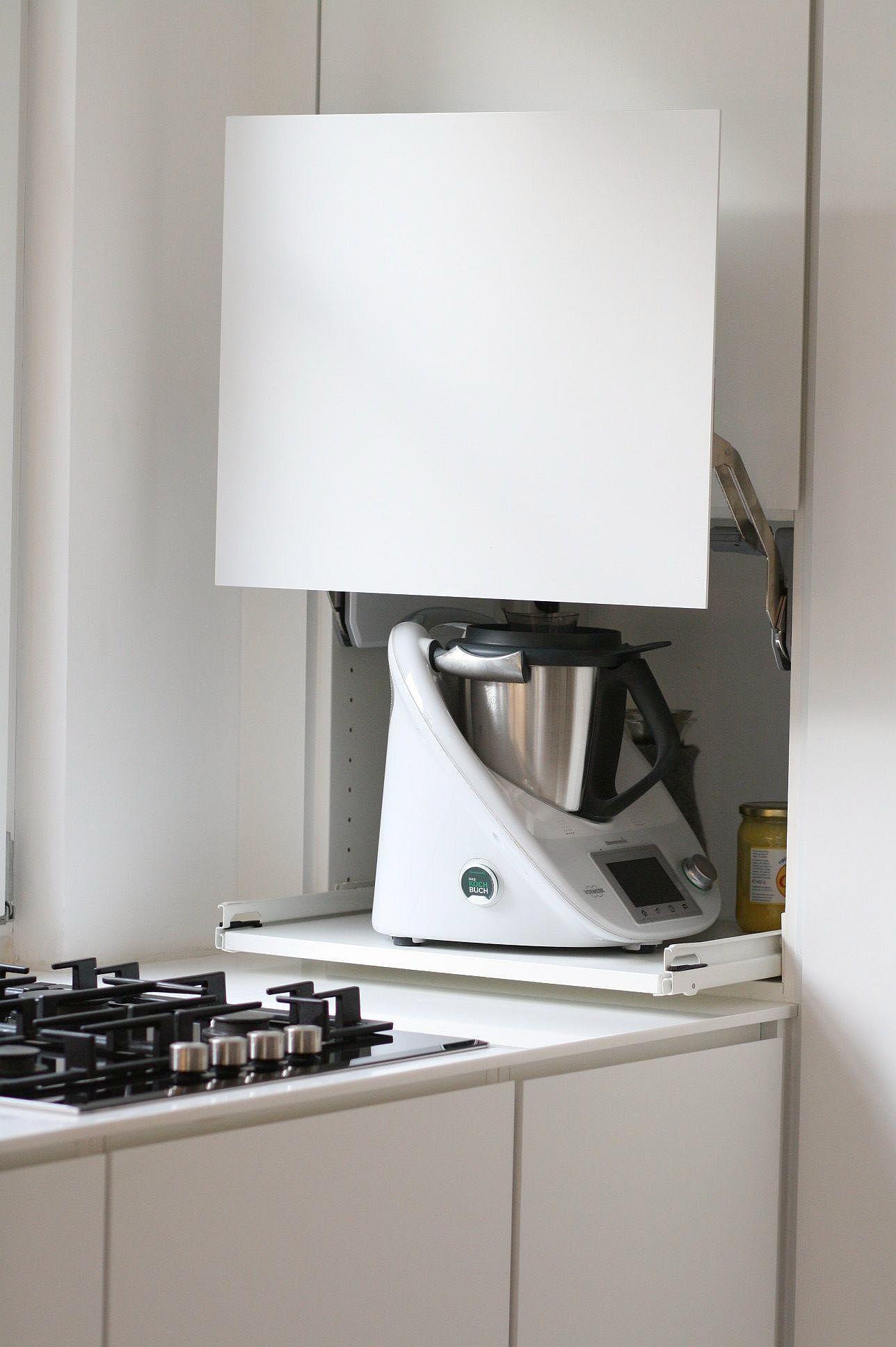 Unsere Küche in 2019 | Kitchen Storage | Küche dachschräge, Küche ...