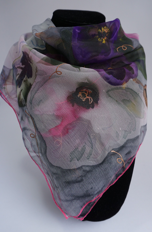 petit foulard soie peint main , foulard fleuri rose, floral, bandana,  mousseline de soie fleurie, georgia 0ab829a1ae5
