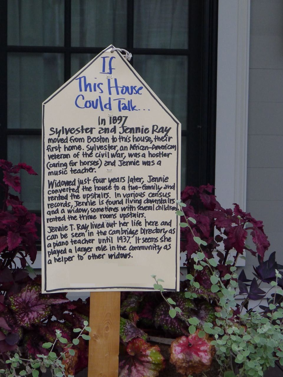 An Urban Cottage: If This House Could Talk - being the crazy history buff that I am...I LOVE this idea!