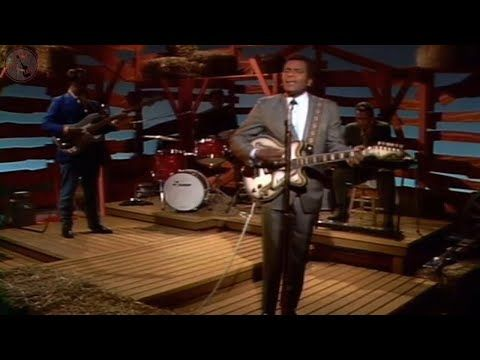 Hee Haw EPISODE 1 - Loretta Lynn and Charley Pride 1969 - YouTube