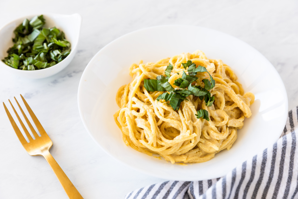 This Simple Vegan Pasta With Nutritional Yeast Isn T Fancy But It S Easy Quick And It S Tasty Spruce It Nutritional Yeast Recipes Pasta Recipes Easy Vegan
