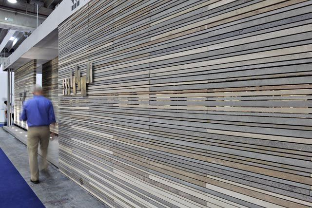 Natural stone wall cladding panel exterior grigio for Exterior wall covering materials