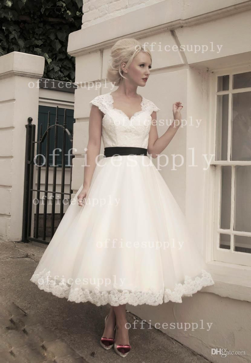 Vintage Lace Cap Sleeves Tulle Puffy wedding dress with Tea Length and  Keyhole Back Bridal Gown BO3258 1c413ab6540b