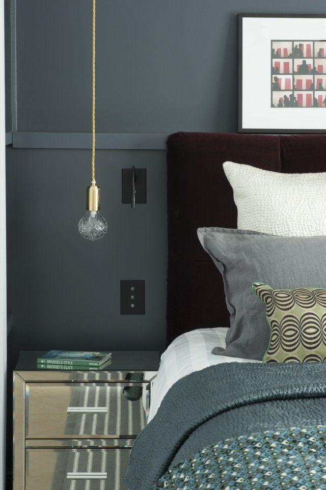 Un appartement parisien comme une suite d 39 h tel interiors chambre grise appartement - Chambre parentale grise ...