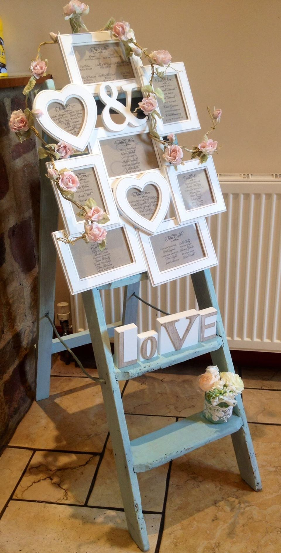 Table plan shabby chic ladder frame and roses matrimonio