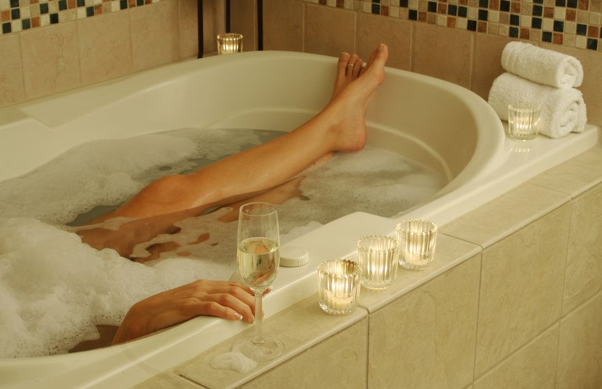 Relaxing bubble baths-candles and champagne optional