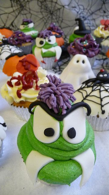 Halloween Collection Glasgow scotland, Cake designs and Cake - halloween decorated cakes