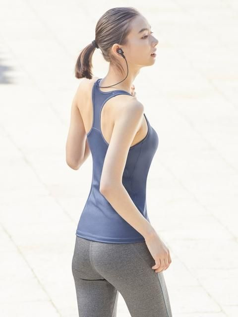 27d0a5db4f73e Stay at the top of your game with our cool and comfortable AIRism Racerback  Bra Sleeveless