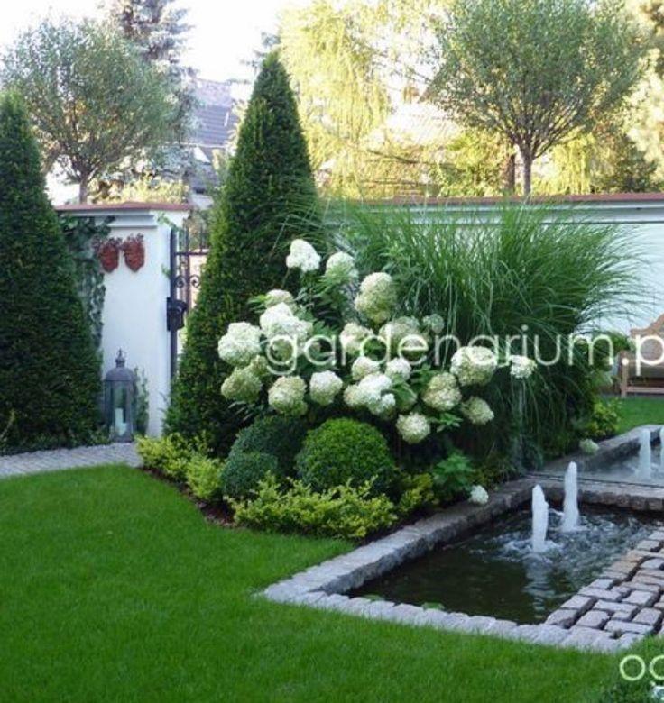 Schöner Garten mit Wasserdesign - Garten Design #frontyardlandscaping