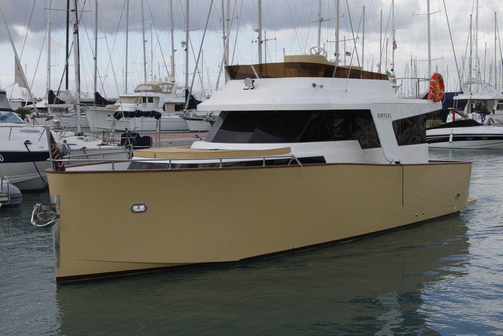 greenyacht-33-hybrid-01