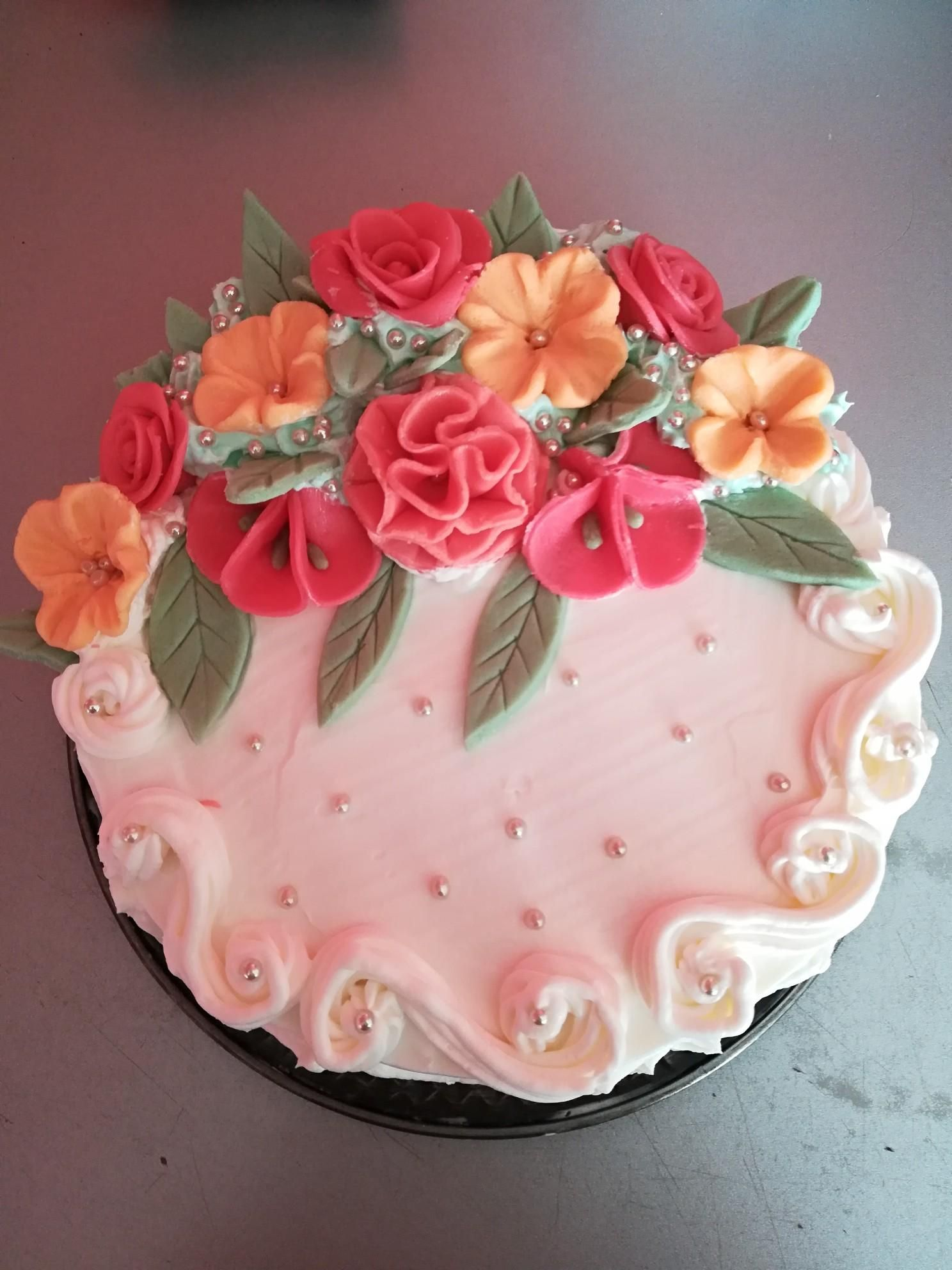 Pastel De 3 Leches Mi Primer Pastel De 3 Leches Con Flores De Malvaviscos Recetasfaciles Recetasgratis Foodideas Recetasdelici Cake Designs Cake Desserts