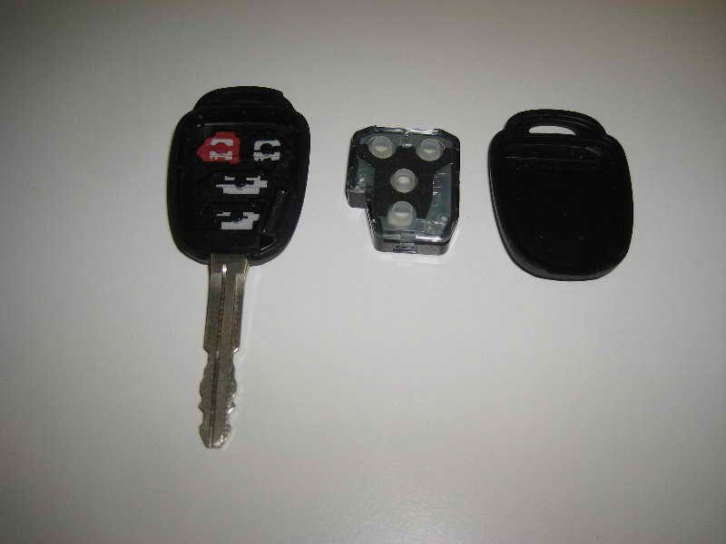 2014 corolla key battery