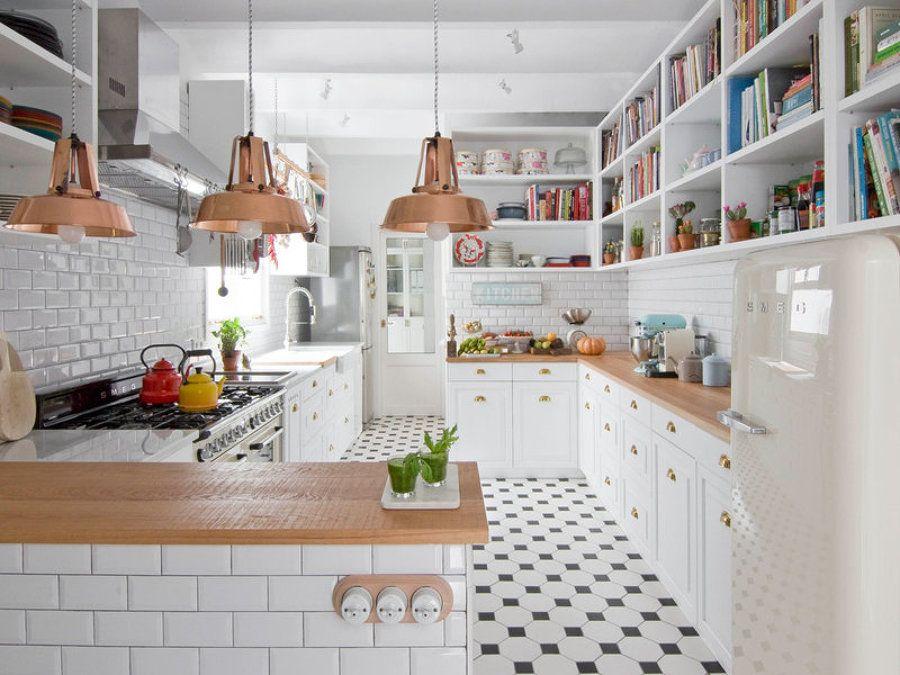 Cocina lámparas de cobre / total white, una vivienda fresca y ...