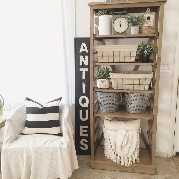 19 Farmhouse Style Bookshelf Ideas Glorifying Your Space in Picturesque Ways! - Farm house living room, Country house decor, Farmhouse shelves, Home, Country farmhouse decor, Farmhouse bookshelf - Practical and beautiful, these farmhouse style bookshelf ideas come with a decorative vibe glorifying just about any room