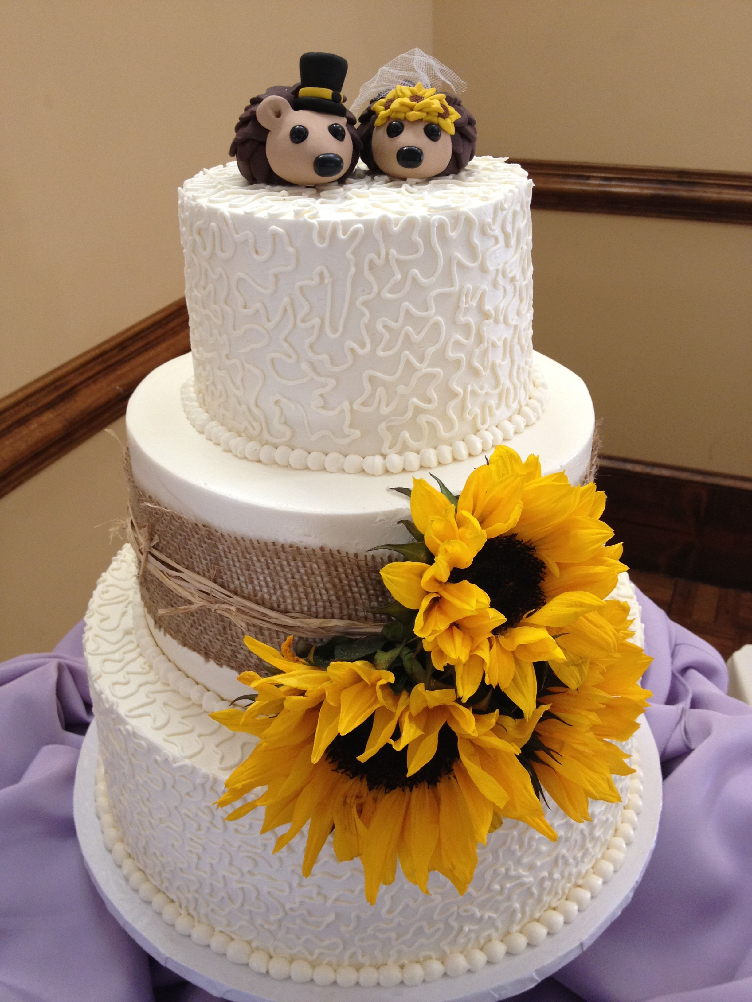 sunflower cake toppers wedding sunflower country cake with hedgehog toppers blondie s 7824