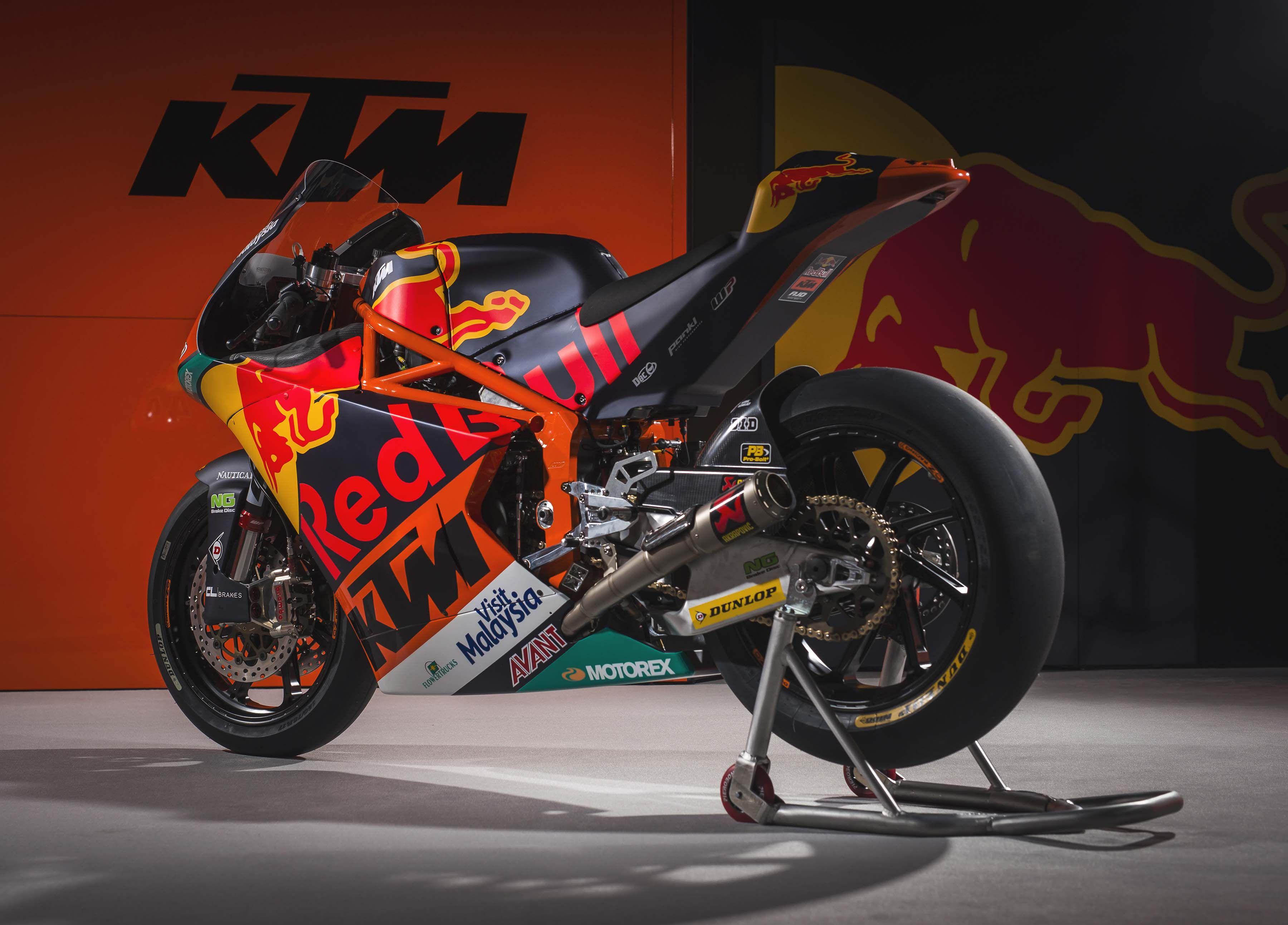 Moody Photos Of The Ktm Moto2 Race Bike Asphalt Rubber Ktm Racing Bikes Sports Bikes Motorcycles