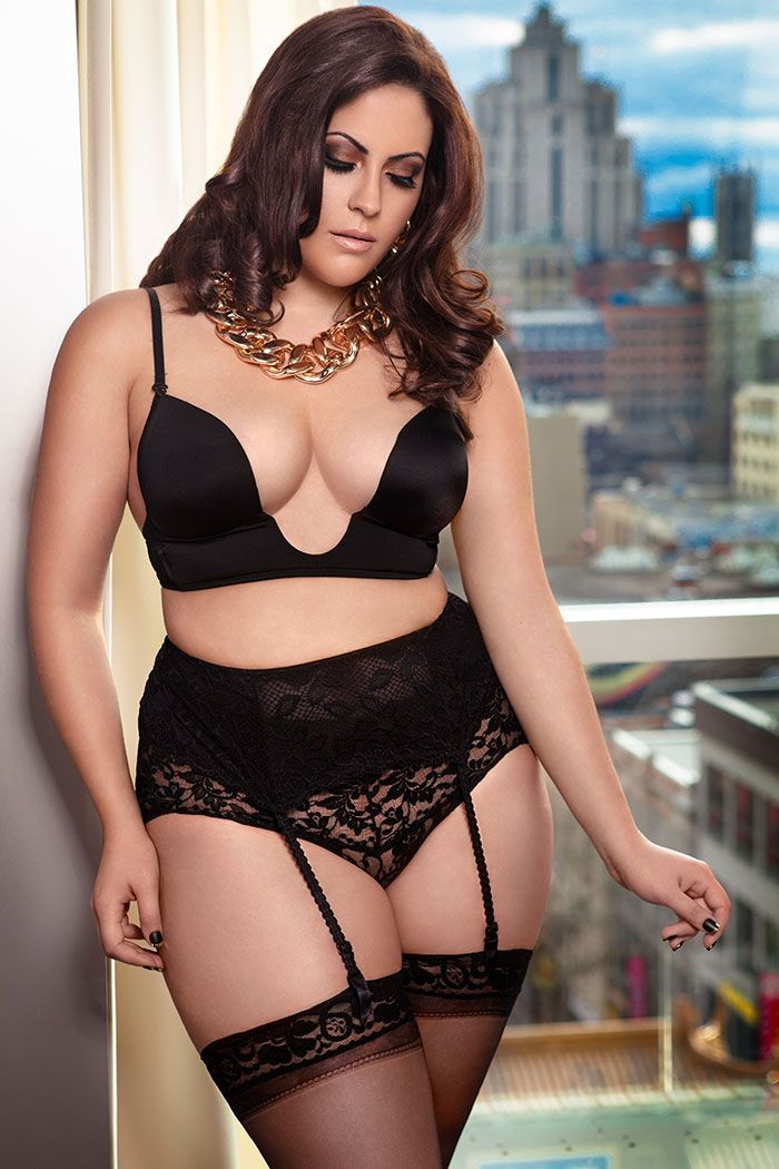 lingerie in plump women