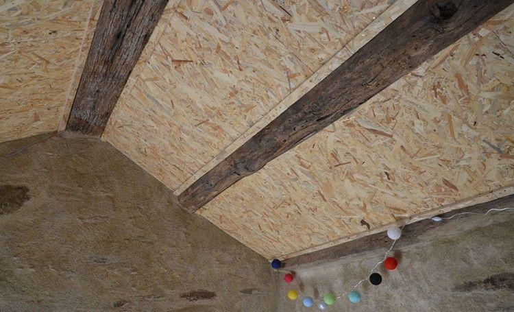Isoler Une Toiture Par L Interieur Avec Des Panneaux De Polyurethane Isolation Toiture Isolation Combles Et Isolation Plafond