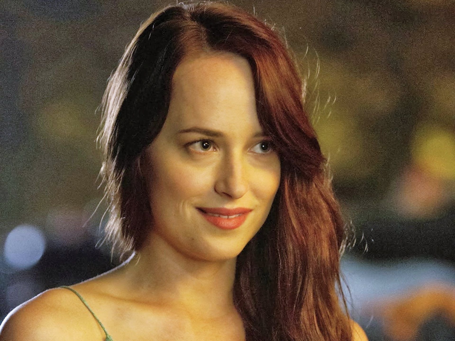 Dakota Johnson Need For Speed Movie Wallpaper Images Pictures