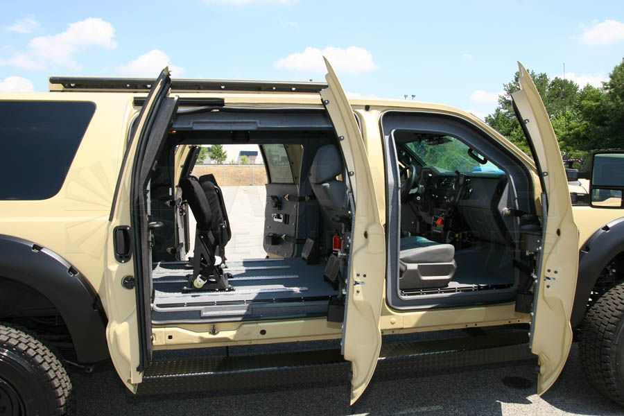 Wamar Technologies B7 Xuv Ford Excursion F 550 Extended Cab Armored 10 Passenger Suv Ford Excursion Suv Excursions