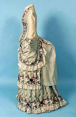 1879 - 1883 silk and lace ensemble side
