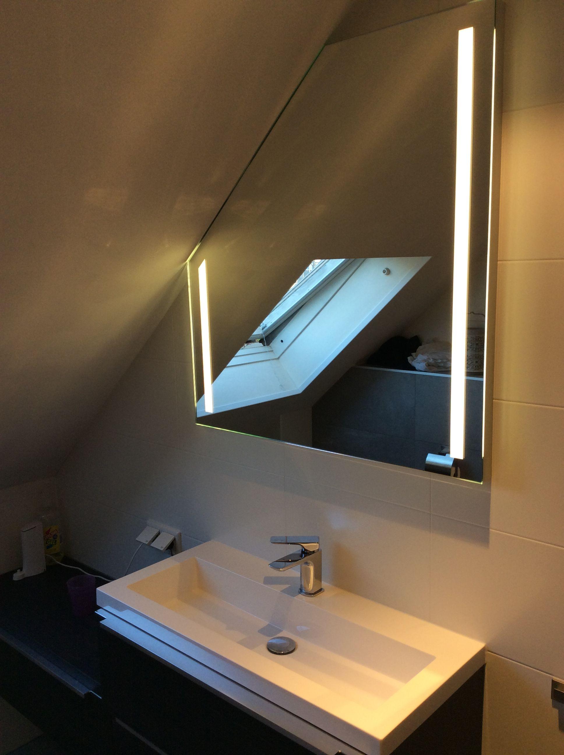 LED spiegel met schuine hoek op maat gemaakt   Badkamer en toilet ...