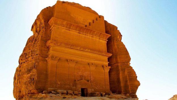 جولة في مدائن صالح بالمملكة العربية السعودية Bbc News عربي City Ancient Saudi Arabia