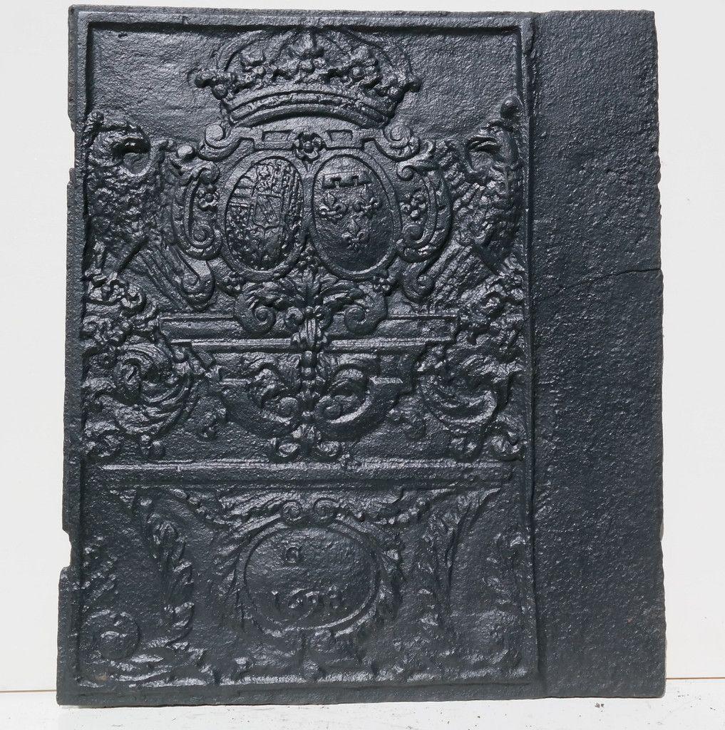 Dr Zenner allianzwappen lothringen bourbonen 1698 seitenplatte eines ofens