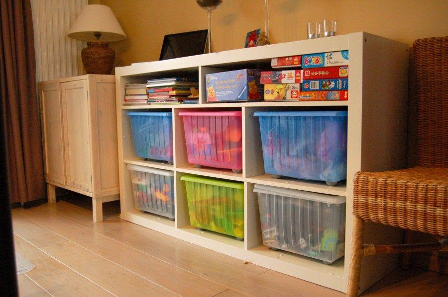Speelgoed in de woonkamer kan ook mooi zijn ikea family aangepaste expedit craft room ideas - Aangepaste kast ...