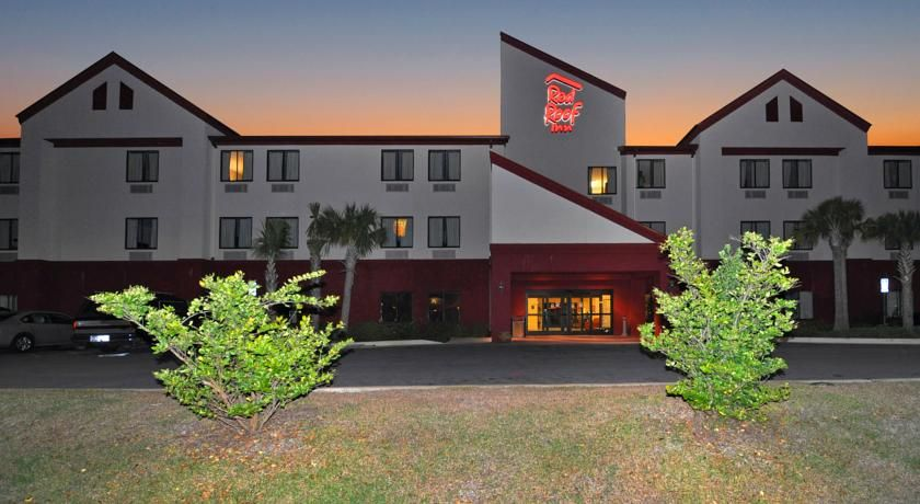 Red Roof Inn Panama City Panama City Conveniently situated