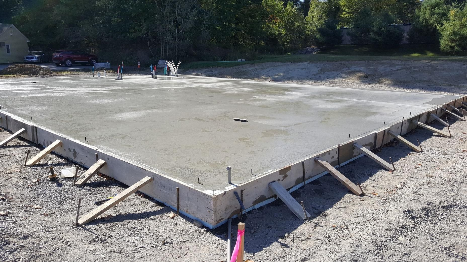 How To Form And Pour A Concrete Slab Pouring Concrete Slab Concrete Slab Types Of Concrete