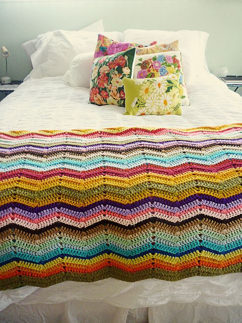 I need to make a giant one for baby and I and the babe -Gia another family blanket coming!