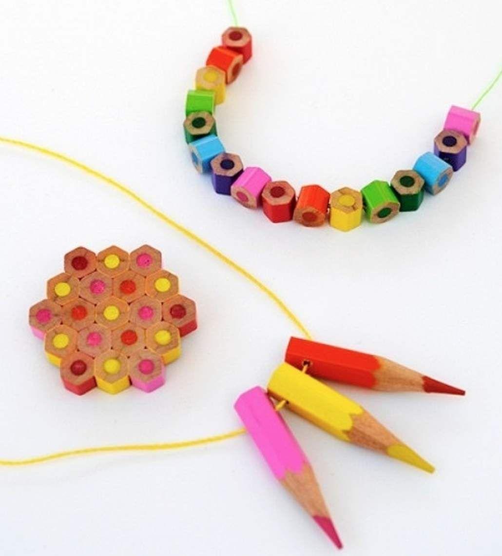 8a4e2bc71402 Cómo hacer collares caseros para niños con lapiceros usados ...